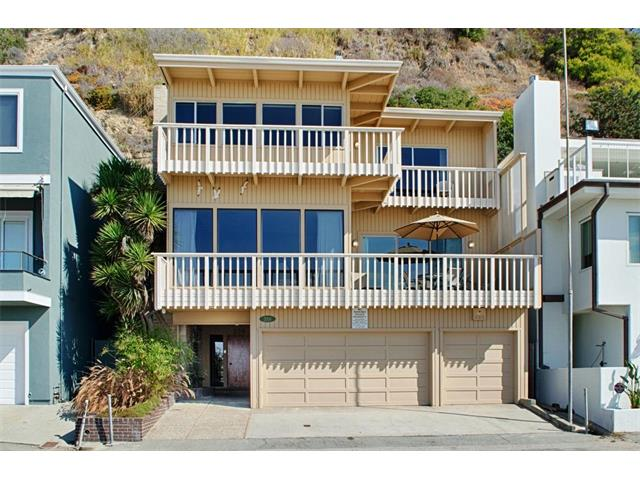 359 Beach Drive sold in March 2016 for $2,100,000